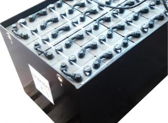 Traction battery for electric forklifts
